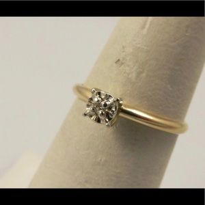 Jewelry - Beautiful 💎 engagement ring in solid 14k sz 5.75